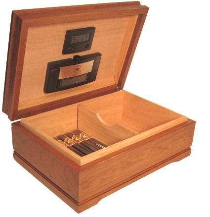 Jefferson Cigar Humidor, Walnut Finish & Spanish Cedar Linings