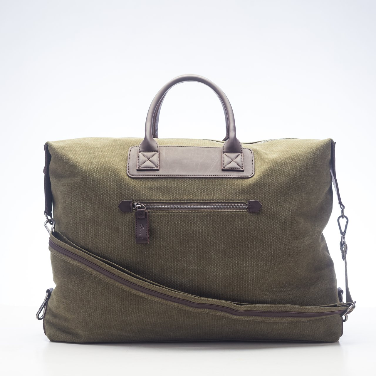 Excursion Weekender Bag in Olive
