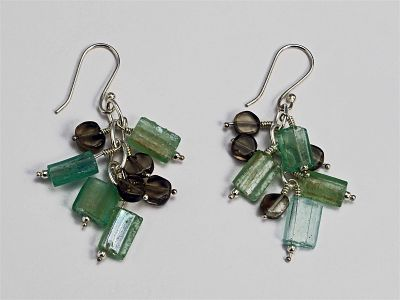 Roman Glass Earrings in Green Glass